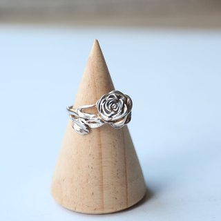 Petite Fille Handmade Silver Wild Rose Sterling Silver Ring