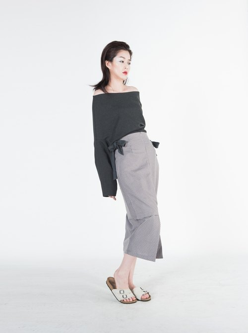 Thyra Off Shoulder Stretch Top