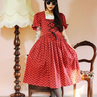 F1009 (Vintage) red bottom black little small flowers big waves skirt vintage dress (wedding / picnic / party)