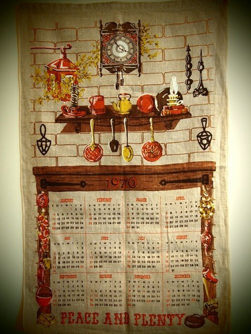 Early American calendar 1970 Fabric lamp clock