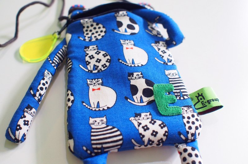 E * group A frog mouth package iphone6 ​​+. I7 + meow black and white pop style (blue) cell phone pocket