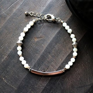 Muse natural wind series NO.210 white white shell silver bracelet square elbow
