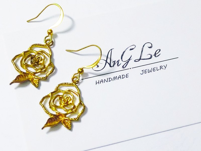 ❡ Rose Earrings
