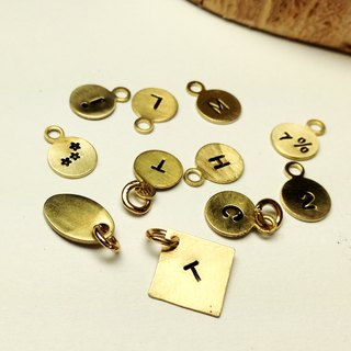 <Add purchase> Hand knock on letters & numbers. Brass small plate