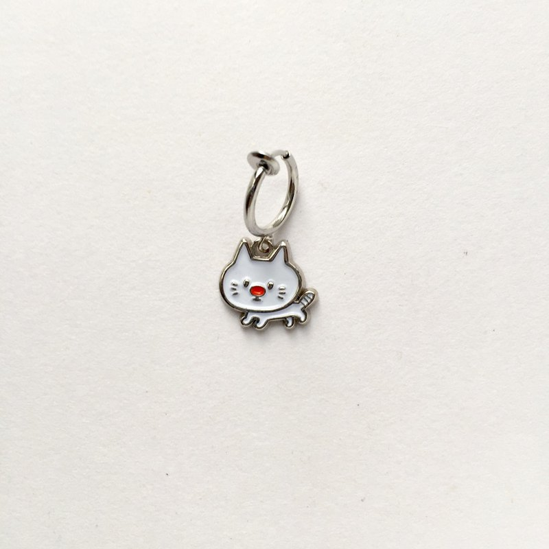 Animal Earrings_White Cat