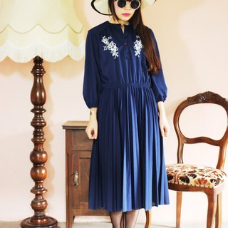 F1081 (Vintage) dark blue double white flowers embroidered vintage dress