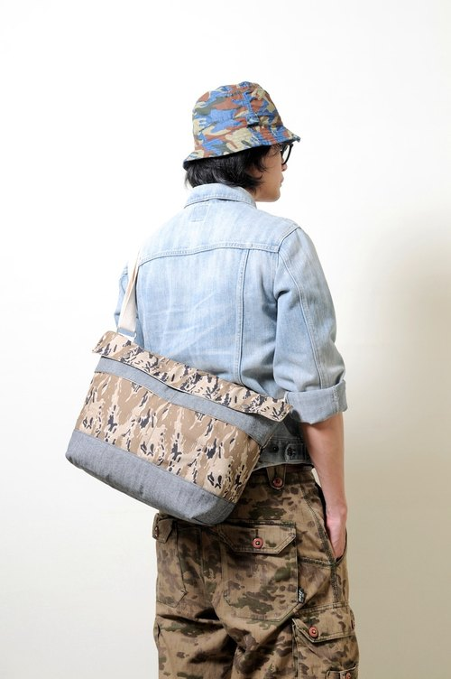Summer Travel RED CAPACITY-SURVIVOR - Hand-made leather camouflage denim cloth shoulder bag