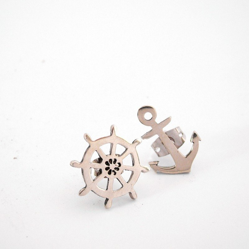 Anchor and Wheel studs earrings in white bronze handmade by hand sawing