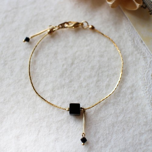 EF simple little black cube NO.1 Black Chic Bracelet