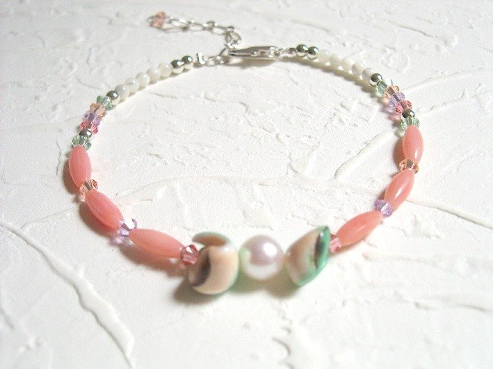 Light green imitation coral pearl crystal bracelet