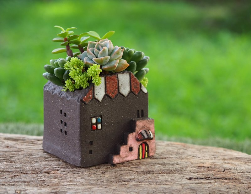 Garden Cottage Garden] [hand-made pottery - Romantic Rose small garden (S) / rock Black / Ceramic House / Custom orders