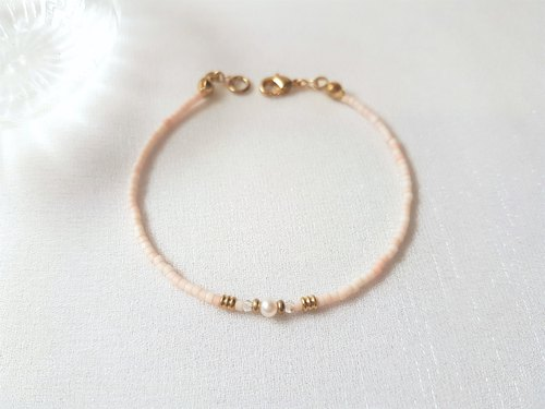 Bare Coral ‧ Pearl Brass Beaded Bracelet