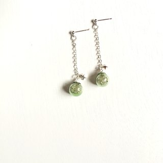 *Haku‧Neko*Green Yuu star - Little Star Flashing green glass ball long earrings