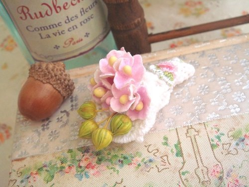 Garohands small bouquet of small star fruit Heart flower brooch feel F037 gifts Department of Forestry