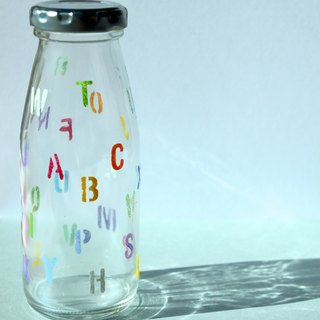 Alphabet Letter Retro Painted Milk Bottle・Decorative Glass Bottle