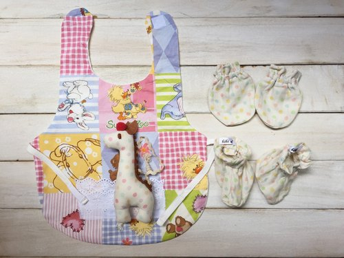 Handmade Japanese pear suzy's zoo bear male and female baby bibs applicable moon births attached gift packaging