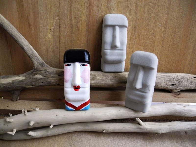 Easter Island Moai stone statues magnet mini - tour of Japan girl