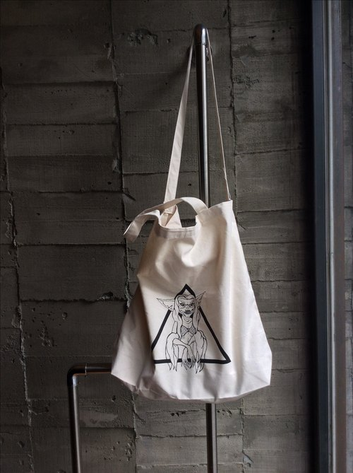 Valentine Provocateur /// instigators [Gremlins] portable shoulder of dual-use shopping bags