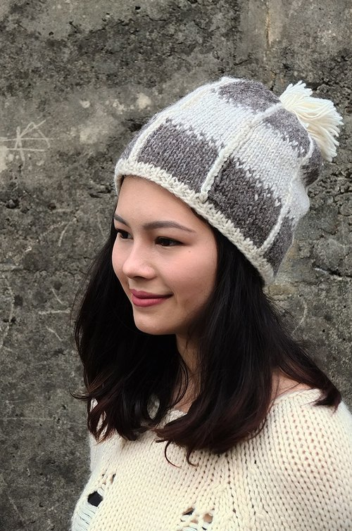 【Grooving the beats】Handmade Hand Knit Wool Beanie Hat with Pompom(Grey+White)
