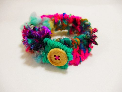 kammistry.// Weaver Series - hand-woven bracelets hit the color pink peacock