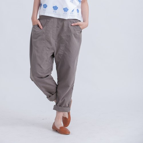 Oscar carrot pants / brown