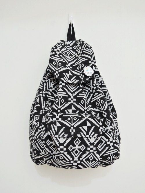 After the national wind backpack (large) black and white geometric