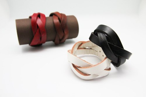 Hand-woven leather bracelet (wide version 3 series)