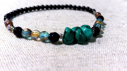 crystal in dearsharka || x black onyx natural irregular turquoise. Beautiful dark green lucky personality