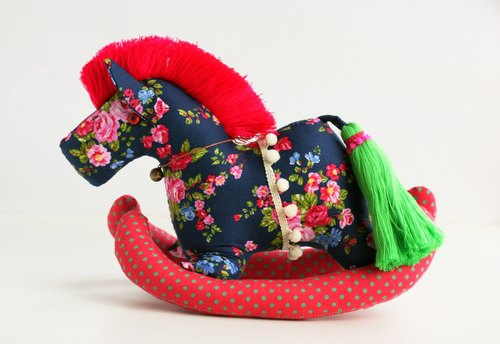 Even shook his hand-sewn Maputo / decorations (dark blue bottom cloth / red mane) - Fabric Rocking Horse