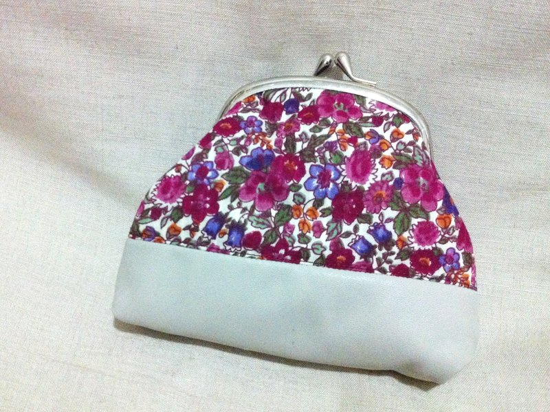 [Needle] purple floral Shishi x PU leather mouth gold package Clutch