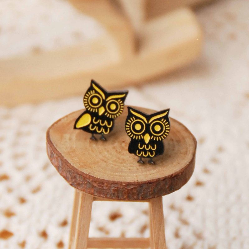 Big eyes owl earrings / anti-allergic needle / clip-on can be changed