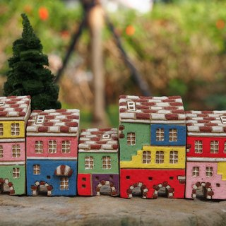 【彩繪村 Colorful Village 】- 手繪童話小陶屋-岩石灰色-紅白屋頂 5件合購