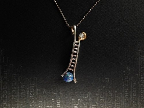 moon ladder from the magic planet ( to the moon and back necklace pendant assembled opal white labradorite 月 梯子 銀 镀金物  蛋白石 富拉玄武岩 颈链 项链 )