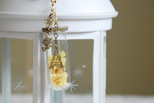 :: :: Cat Princess Tower glass Small World - under the stars // key ring / can be changed Charm / dust plug can be changed