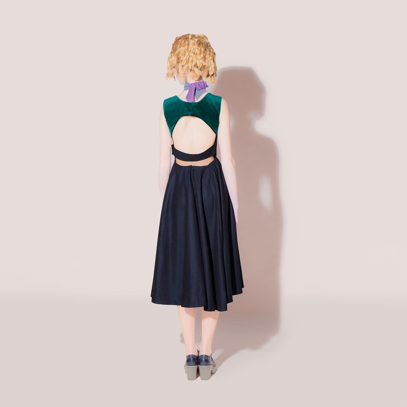 Envol Avec Ning black and green halter dress
