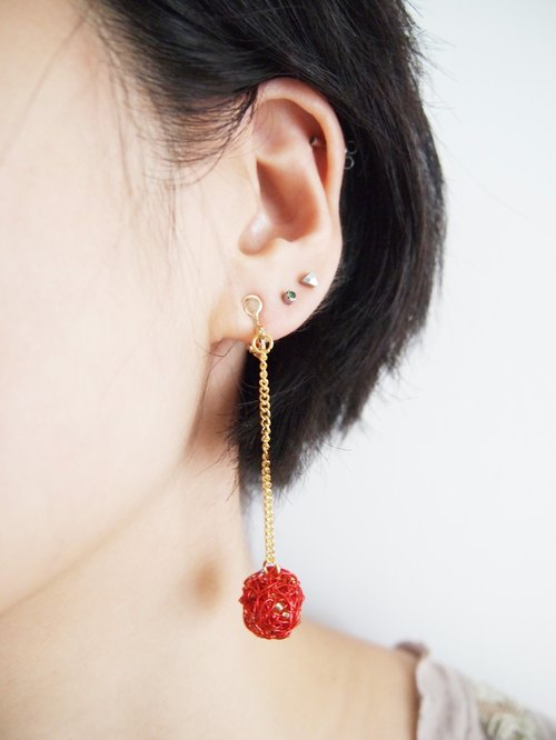 Custom elegant hand-woven red copper and gold flash earrings beads wave length