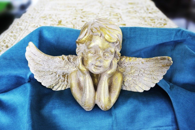 Emitting guardian angel / all white / LED (yellow) Artistic decoration