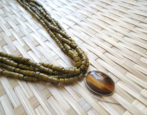 KINA Nature Series - tricolor twist natural stone necklace - Land Ornithogalum