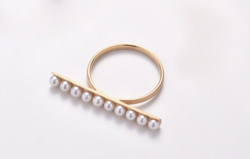 Character ring of freshwater baby Pearl (Gold color)