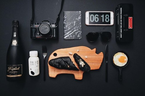 Moment wood X + zoom - Rhinoceros pattern - Animal modeling cutting board, food plate