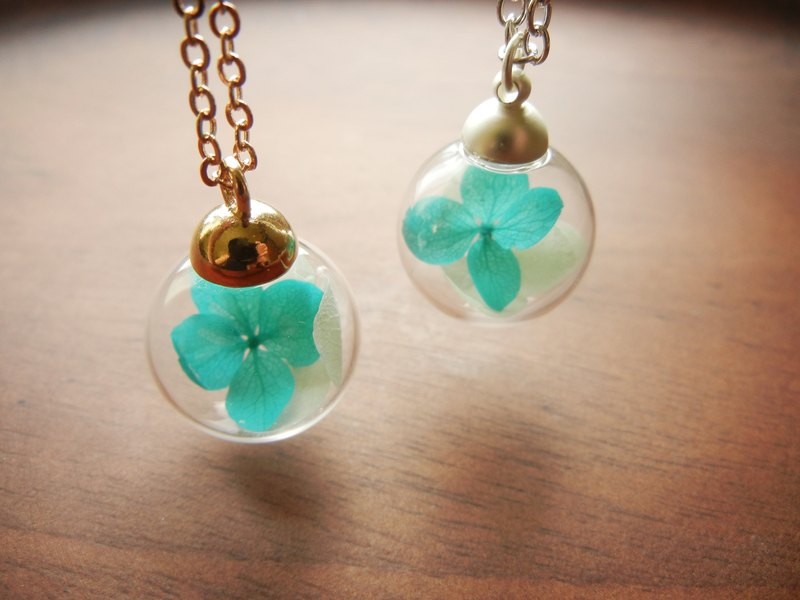 *Coucoubird*Turkish glass blue hydrangea necklace / Two colors