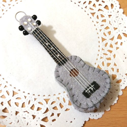 "[Uke Lili - pocket version of the three-dimensional non-woven strap (gray spot)] musical instruments guitar non-woven dolls hand-made customized music class music graduation gift ""rice bear"""