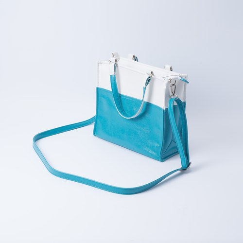 Paper bag color mixed bag portable shoulder dual white X turquoise blue