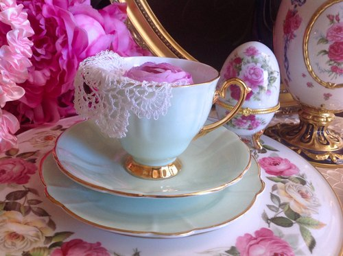 British bone china made 1945 green lake tulip flower petal-shaped antique bone china teacups, coffee mugs three groups ~ ♥ ♥ Annie crazy Antiquities