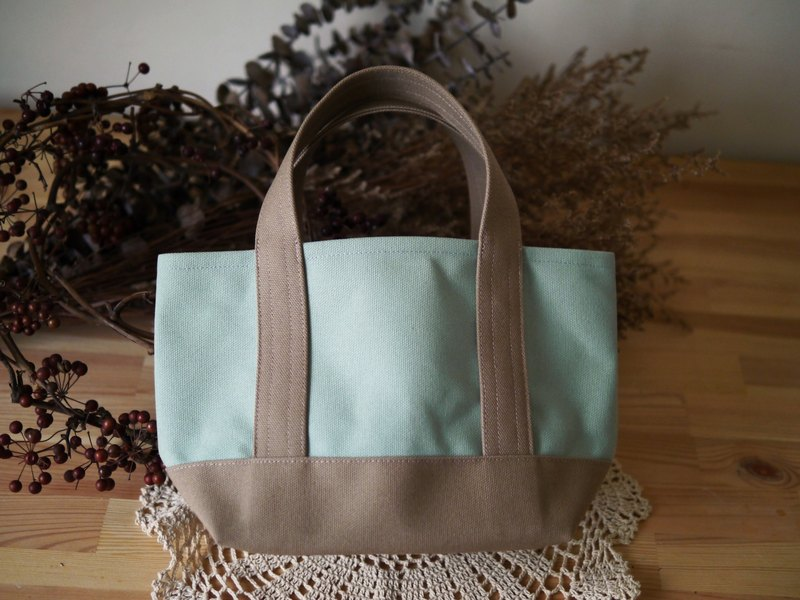 Classic Tote Bag Ssize mint green x milktea - lake green x milk tea -