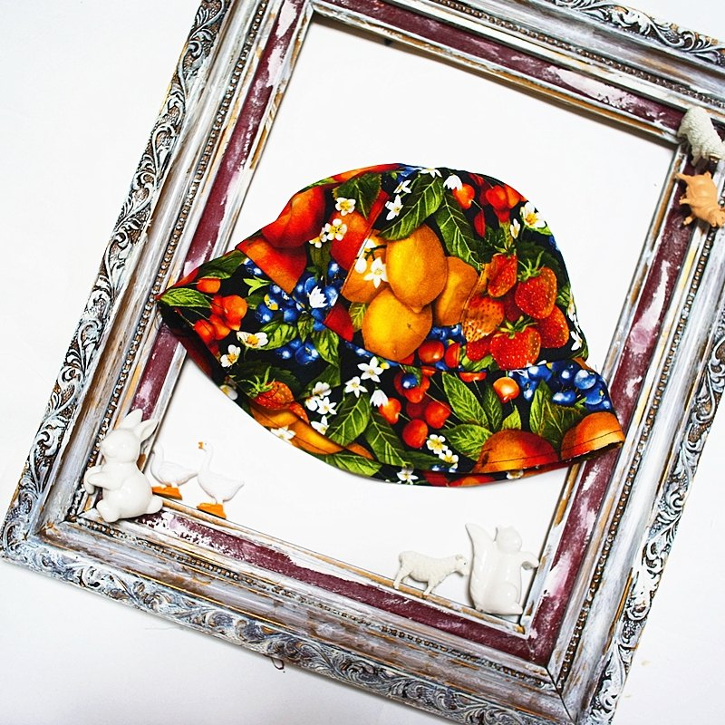 A MERRY HEART ♥ fresh fruit platter hat