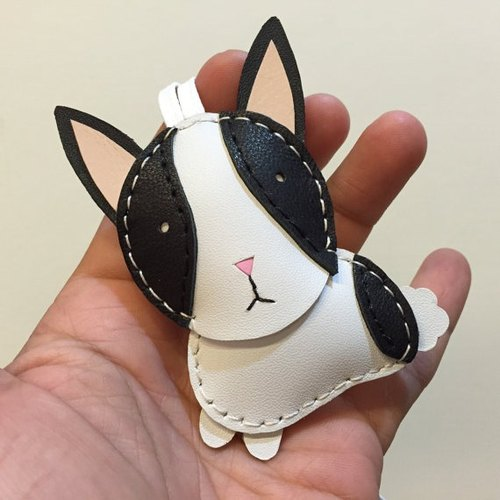 Handmade leather} {Leatherprince Taiwan MIT black / white cute bunny hand sewn leather strap / KiKi the Rabbit cowhide leather charm in black / white (Small size / small size)