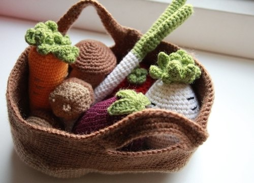 Amigurumi crochet doll: play food, Fruit and vegetable basket, Medium