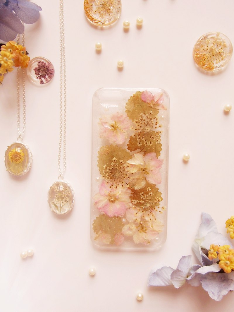 Tammy St. Binghua series of soft pink flowers pink flowers green leaves natural sense Yahua IPHONE5 / 5S phone shell protective shell