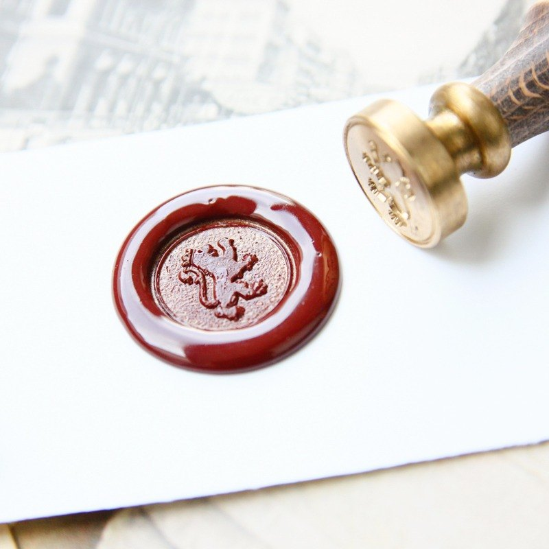 Sealing Wax Stamp Set w/a wax- Family Crest
